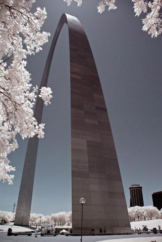 St. Louis - Gateway Arch Infrared #1